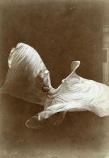 Isiah West Taber, Loie Fuller, Dansant avec son voile