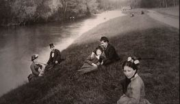 photo of La Grande Jatte from that period